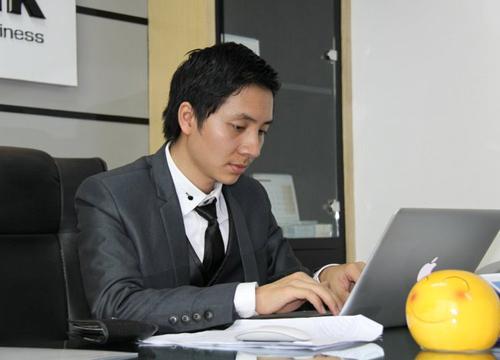 Nguyễn Văn Dũng bỏ thi đại học kiếm 5 triệu USD/năm nhờ Internet