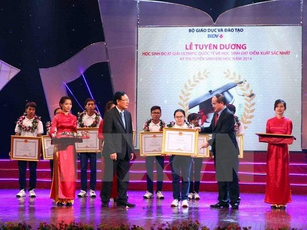 Việt Nam tiếp tục đạt thành tích cao tại các cuộc thi học sinh giỏi quốc tế