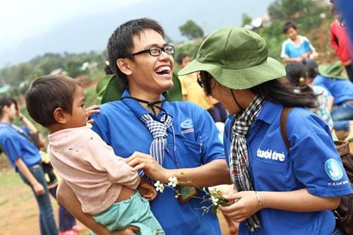 Vì sao sinh viên nên tham gia hoạt động tình nguyện?