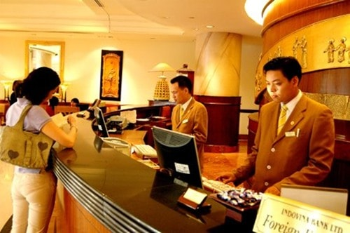 """Tất cả những gì cần biết nếu bạn đã """"trót yêu"""" ngành quản trị khách sạn"""