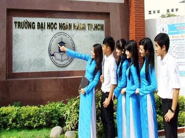 Đại học Ngân hàng TP.HCM: 40 năm tự hào