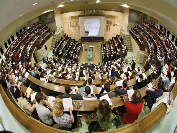 Chỗ ngồi trên giảng đường của bạn đã đạt tiêu chuẩn hay chưa?