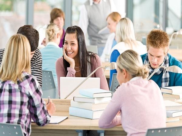 Cho con đi du học cha mẹ giúp con chuẩn bị những gì?