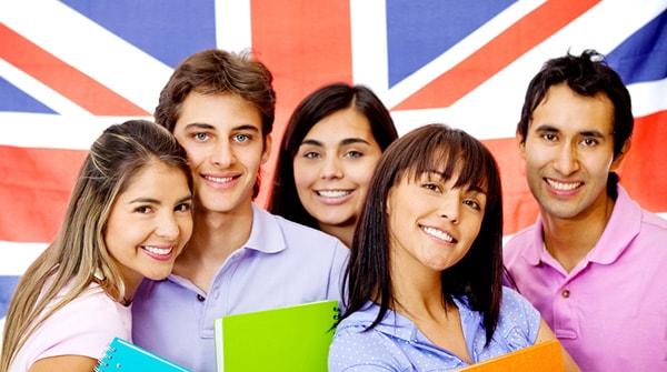 Tại Anh, trường công lập và trường tư thục khác nhau thế nào?