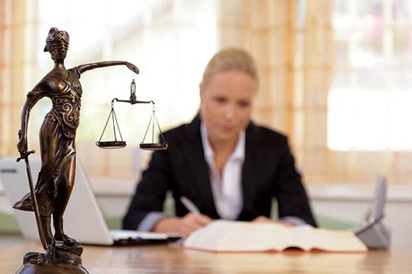 Khối A học ngành luật cũng là 1 trong những ngành dễ xin việc hiện nay