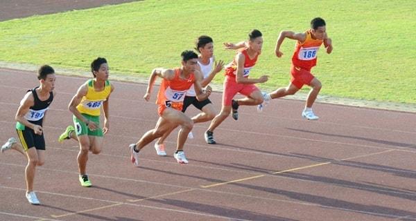 Chuyên ngành điền kinh thi năng khiếu ở 2 nội dung bật xa tại chỗ và chạy 100m