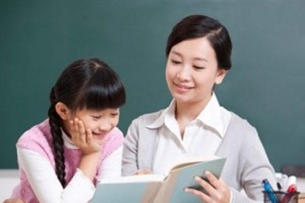 Gia sư là giáo viên sẽ có những kinh nghiệm trong việc nắm bắt tâm lý và truyền tải kiến thức