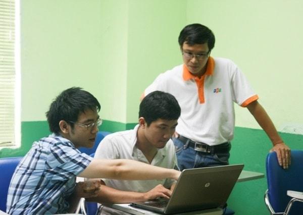 Sữa chữa máy tính không hề khó với sinh viên công nghệ thông tin
