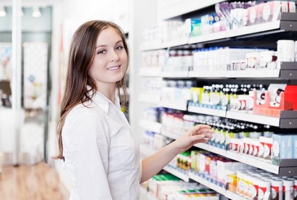 Sinh viên ngành dược đi bán thuốc part – time