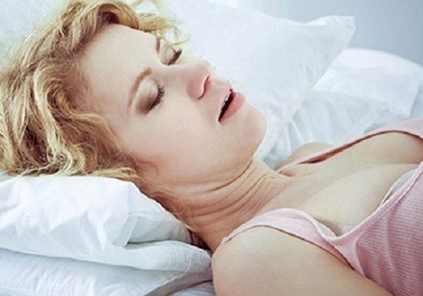 Bị ngưng thở khi ngủ có nguy hiểm không? 1