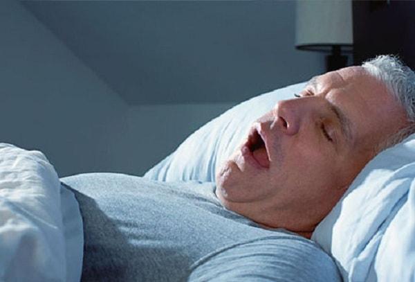 ngưng thở khi ngủ có nguy hiểm không 1