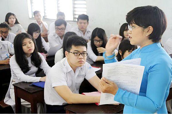 Giáo viên là người định hướng bài học cho học sinh