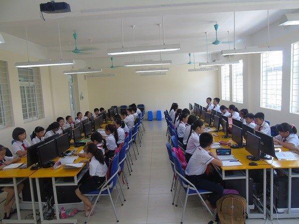Một phòng tin học cho học sinh