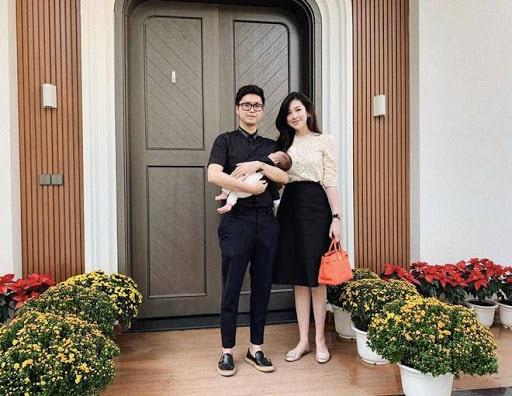 Gia đình Á hậu Dương Tú Anh