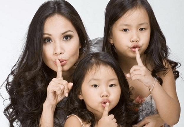 Cẩm Ly cùng 2 bé Thỏ và La