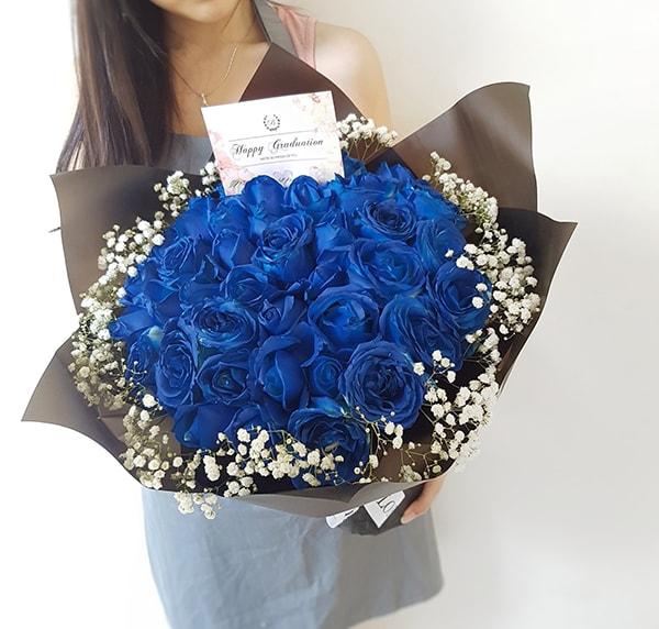 Nên tặng hoa hồng xanh ngày khai giảng